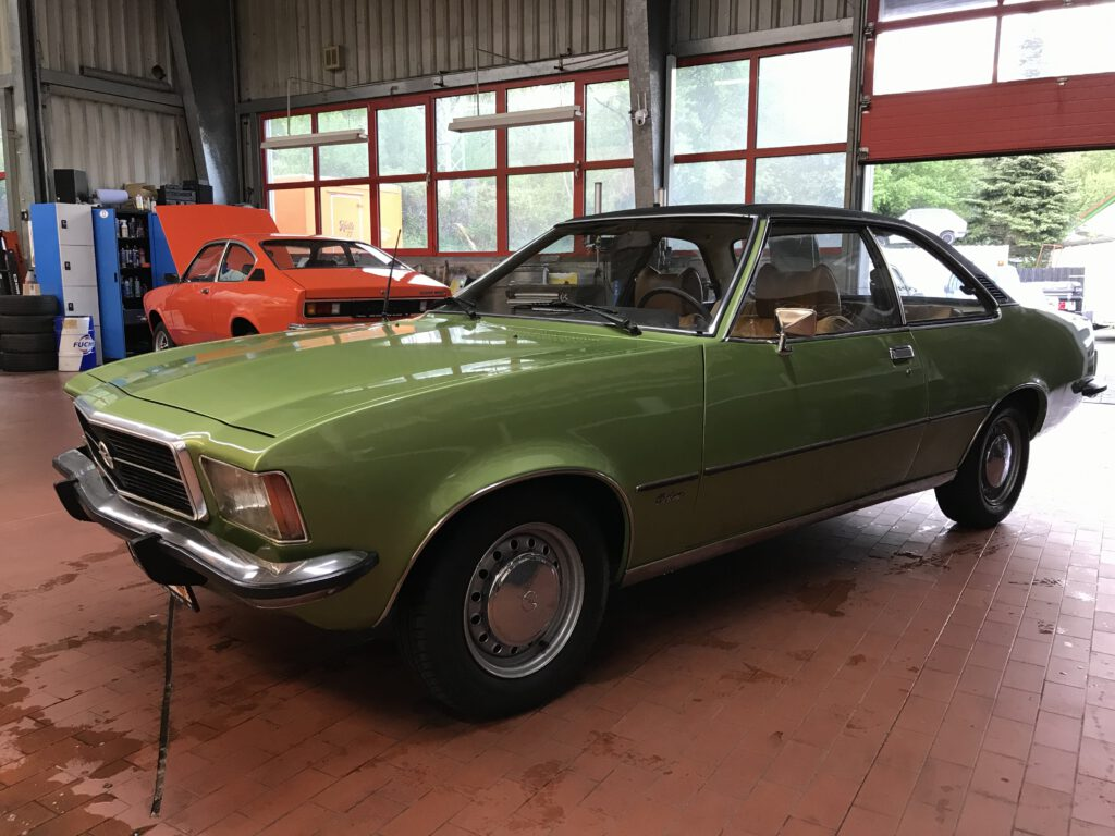 Opel Rekord D Coupe 1900